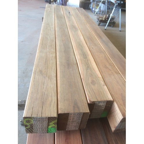 SPOTTED GUM HARDWOOD TIMBER POST